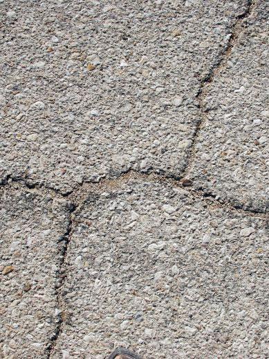 cracked driveway repair